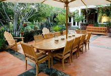 Duży stół ogrodowy