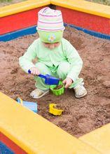 Regularna wymiana piasku z piaskownicy jest niezwykle istotna