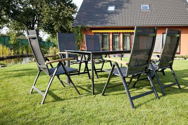 Stół i krzesła ogrodowe