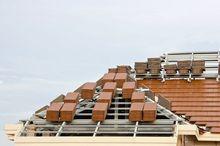 Montaż pokrycia dachowego