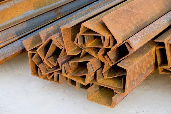 Stalowe belki do budowy stropu