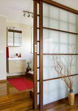 Przesuwne - przeszklone drzwi łazienkowe