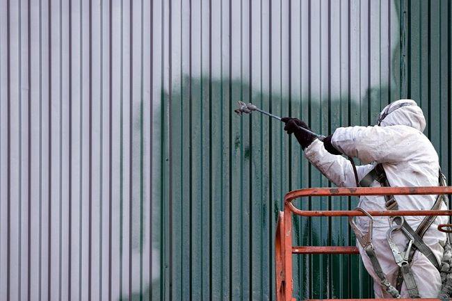 Malowanie farbą antykorozyjną