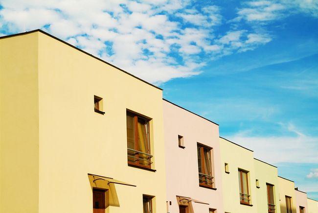Domy szeregowe z płaskimi dachami