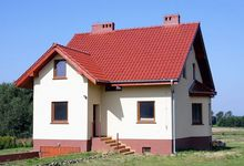 Dom z dachem dwuspadowym