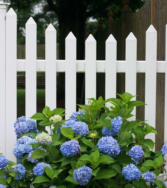 Tradycyjne ogrodzenie z nowoczesnego materiału
