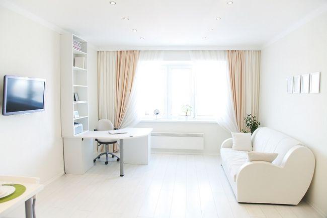 Biała podłoga w pokoju
