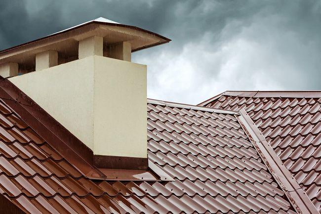Dach pokryty blachodachówką