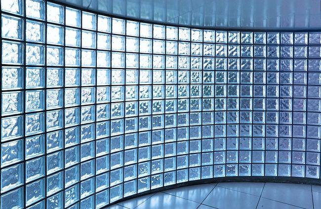 Ściana z pustaków szklanych