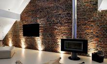 Ściana ceglana w salonie