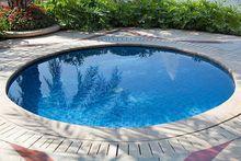 Mały basen ogrodowy