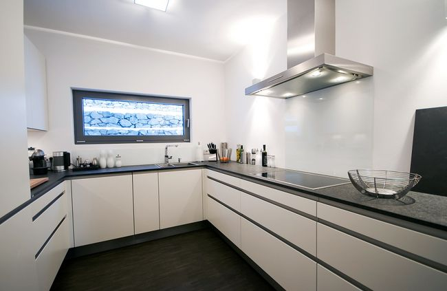 Kitchens on Pinterest -> Dluga Wąska Kuchnia W Bloku