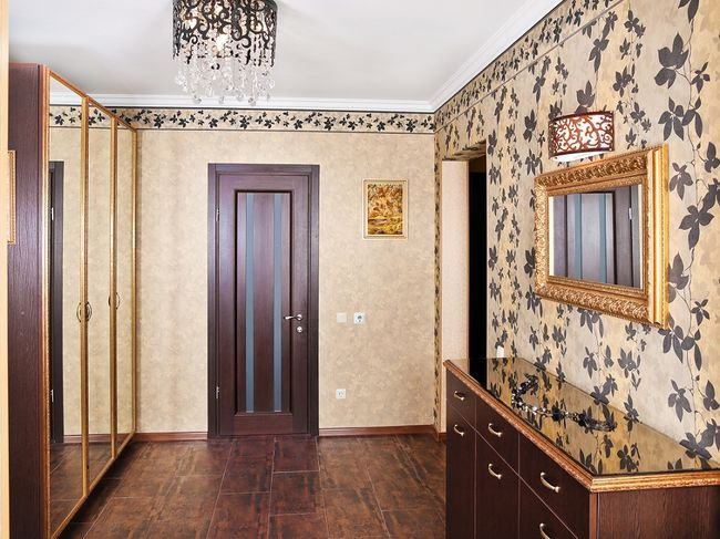 Прихожая в двухкомнатной квартире фото