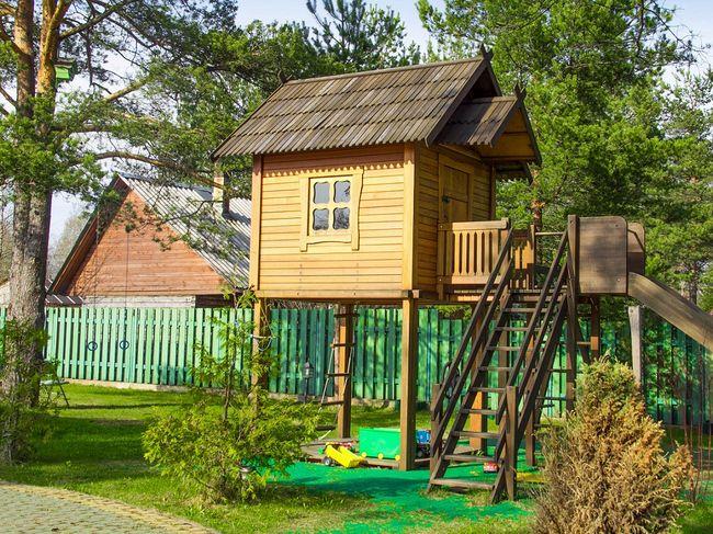 Domek Dla Dzieci Na Palach