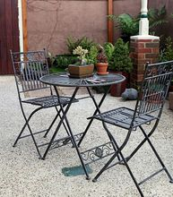 Stolik i krzesła ogrodowe