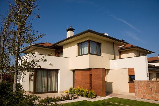 Elewacja domu drewniana kamienna ze szk a z betonu i for Puertas balcon usadas