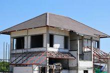 Budowa domu z dachem kopertowym