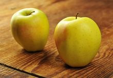 Jabłka odmiany Golden Delicious