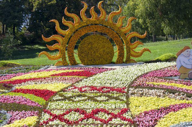 Barwne Rabaty Kwiatowe W Ogrodzie Galeria Zdjec Galeria I Zdjecia