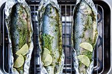 Ryby przygotowywane na grillu elektrycznym