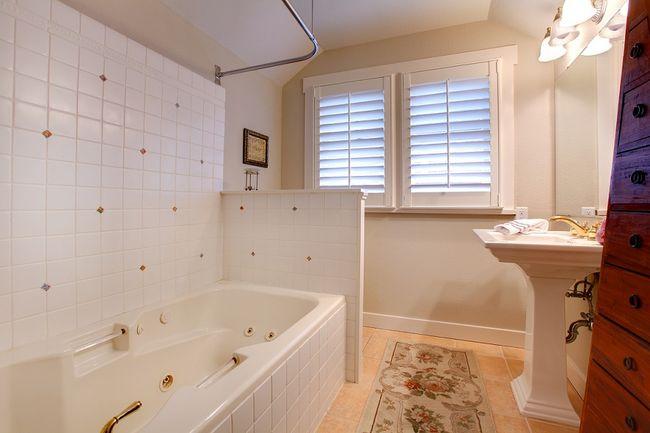 Aranżacje I Wyposażenie Małych łazienek W Bloku Galeria I