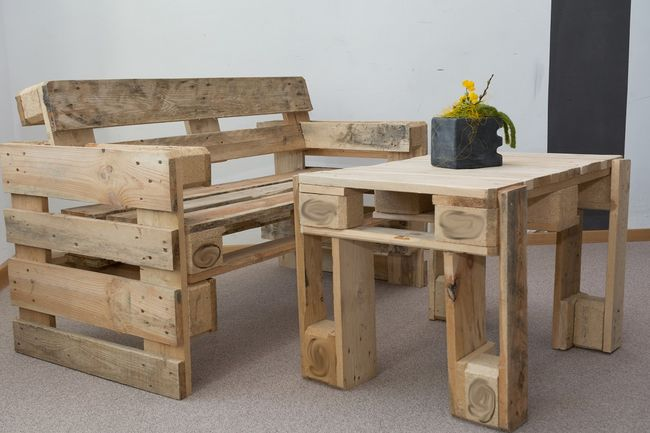 Jak prawidłowo własnoręcznie zrobić stół? Najważniejsze kwestie