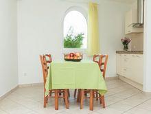 Okno łukowe w kuchni