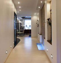 Panele podłogowe na korytarzu