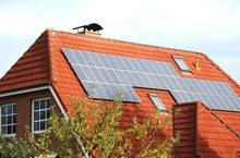 Baterie słoneczne na dachu