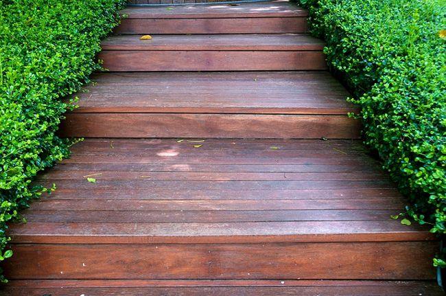 Schody zewnętrzne z drewna