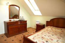 sufity podwieszane w sypialni