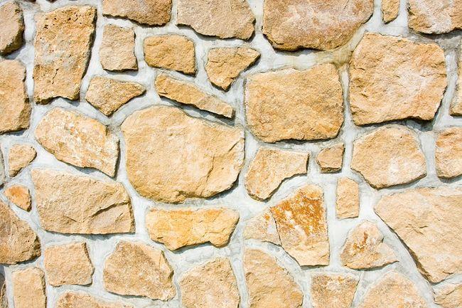 Ogrodzenie murowane z kamienia
