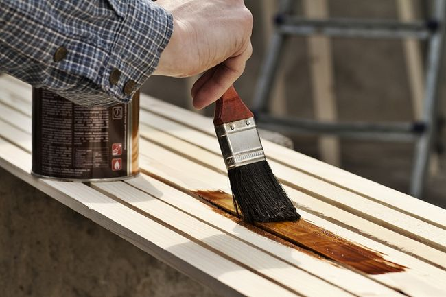 Czym konserwować drewno