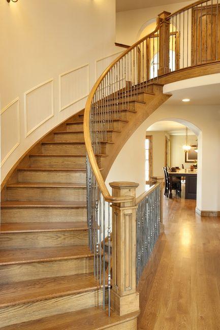 Wewnętrzne schody drewniane