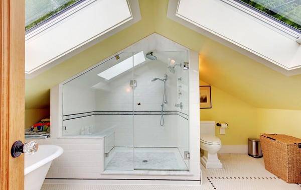 Przestronna łazienka na poddaszu -> Bardzo Mala Kuchnia Na Poddaszu