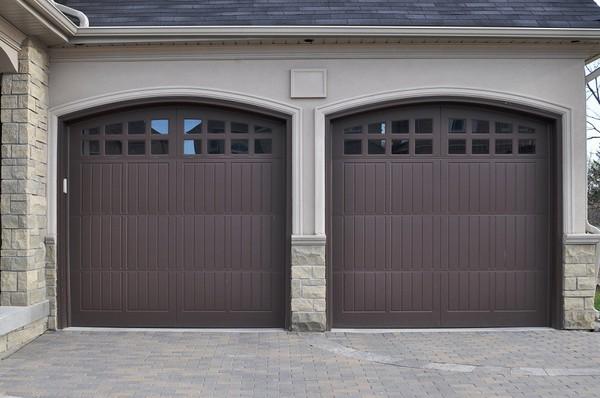 Gara dwustanowiskowy coraz cz ciej niezb dny for How tall is a standard garage door