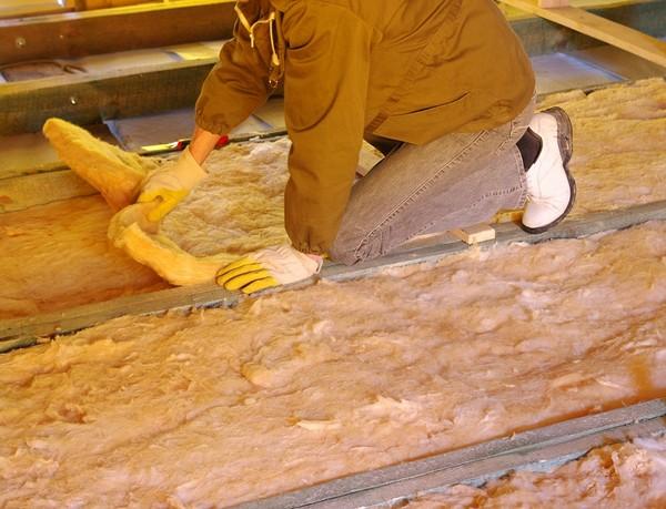 Ocieplenie stropu drewnianego styropianem
