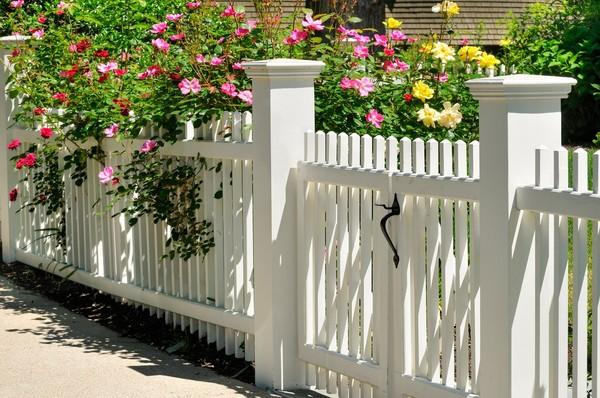 Zobacz, jaka wysokość ogrodzenia jest optymalna i zgodna z przepisami