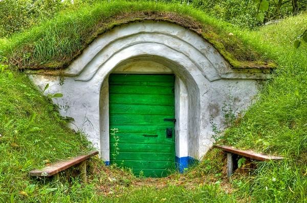 Piwniczka ziemna - ogrodowa spiżarnia